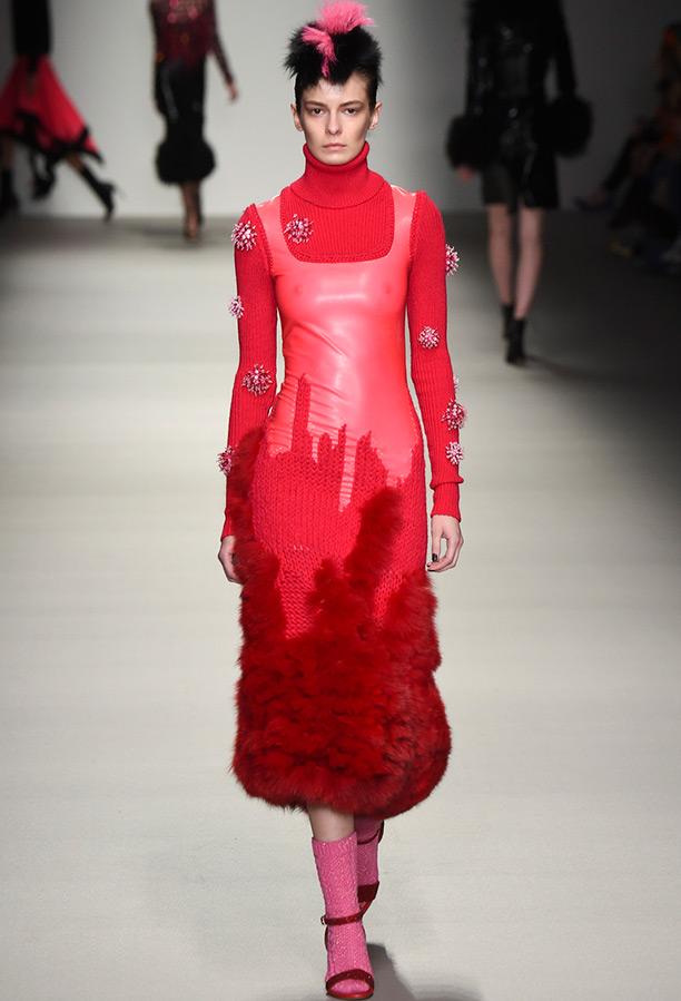 Красное теплое платье, фото